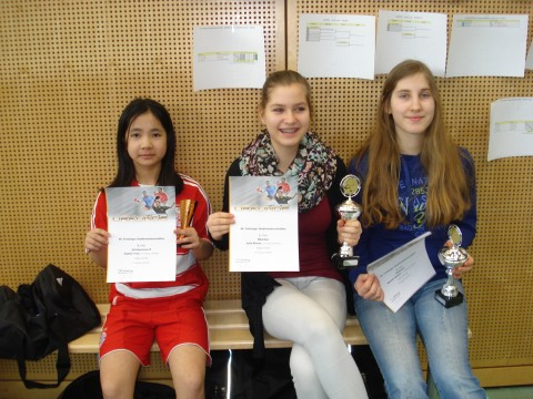 Sophia (3. Platz Schülerinnen B), Julia (1. Platz Mädchen), Karolin (2. Platz Mädchen)